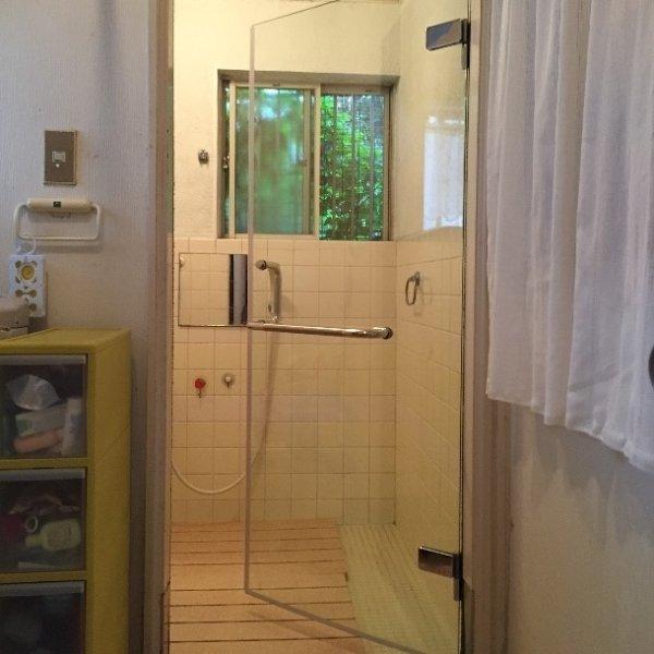 画像1: 浴室ドアリフォーム(片開きガラス扉) (1)