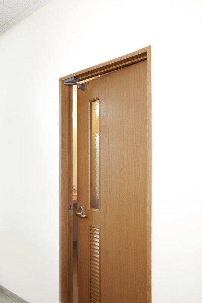 画像2: 室内扉用ドアクローザー