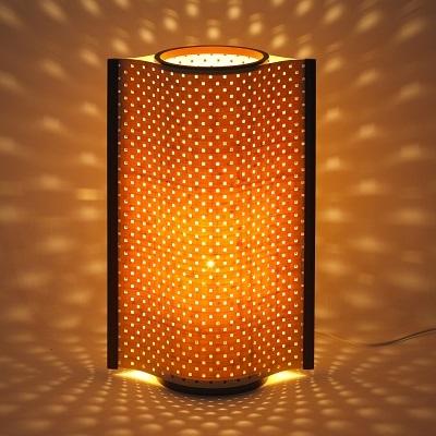 竹の照明で癒しの光と影を演出(こもれび)