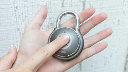 指紋認証型の南京錠:指紋でロック解除