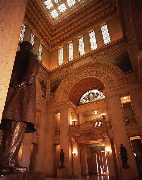 国会議事堂にあるステンドグラス中央広間