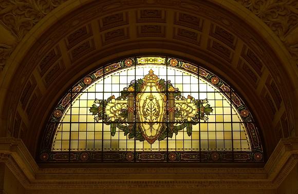 国会議事堂にあるステンドグラス中央広間(欄間)