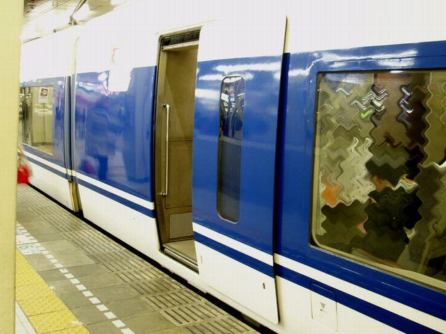 鉄道車両の側扉(JR東海371系電車)