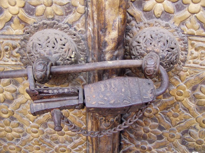 中世期の南京錠(カトマンズ)