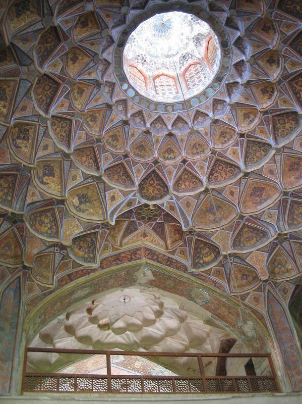 イスラーム建築におけるオクルス