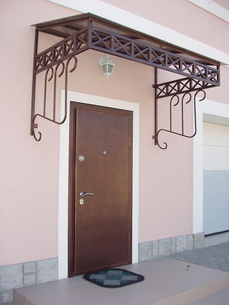 一般的な住宅の片開き扉
