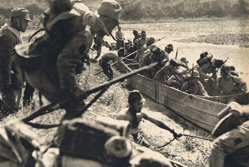 日中戦争中の日本軍の九五式折畳舟