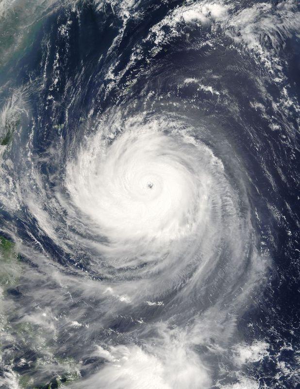 流体の渦(台風、竜巻、旋風、渦潮)