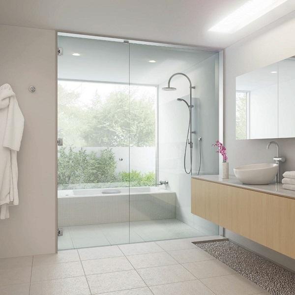 浴室のガラスドアセット